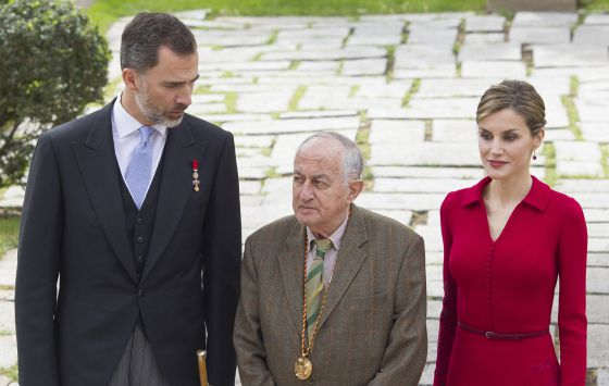 King Felipe VI, Juan Goytisolo and Queen Letizia at Thursday's ceremony / EDUARDO PARRA (GETTY IMAGES )